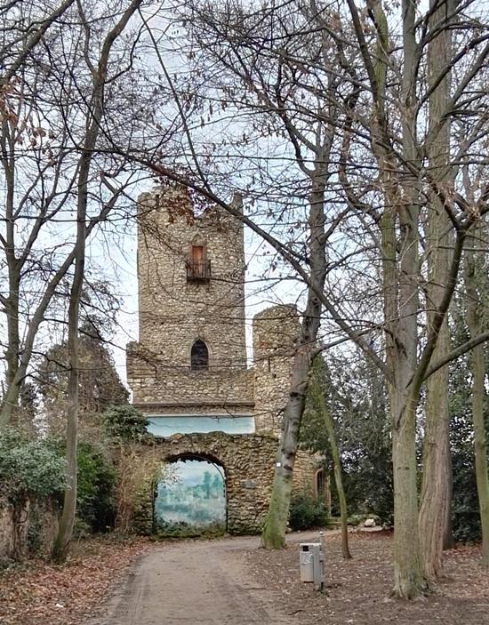 Vernapark Rüsselsheim - künstliche Ruine